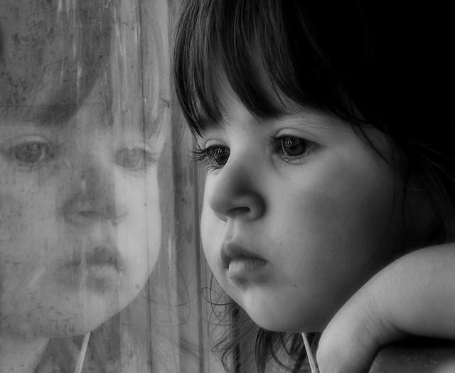 anak-gadis-bersedih